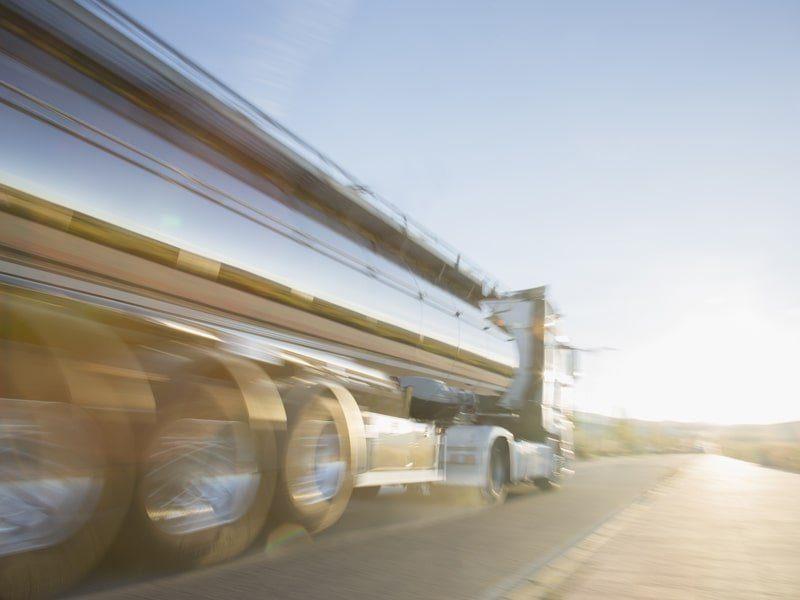 Tiempo maximo de cruce de fronteras para camioneros sea de 15 minutos