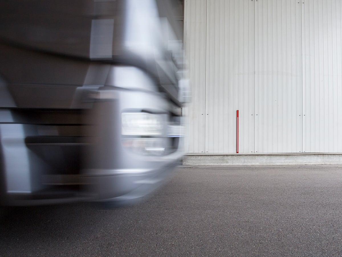 tiempos empleados por un conductor en viajar hasta un lugar que no es el lugar habitual para hacerse cargo o ceder el control de un vehículo