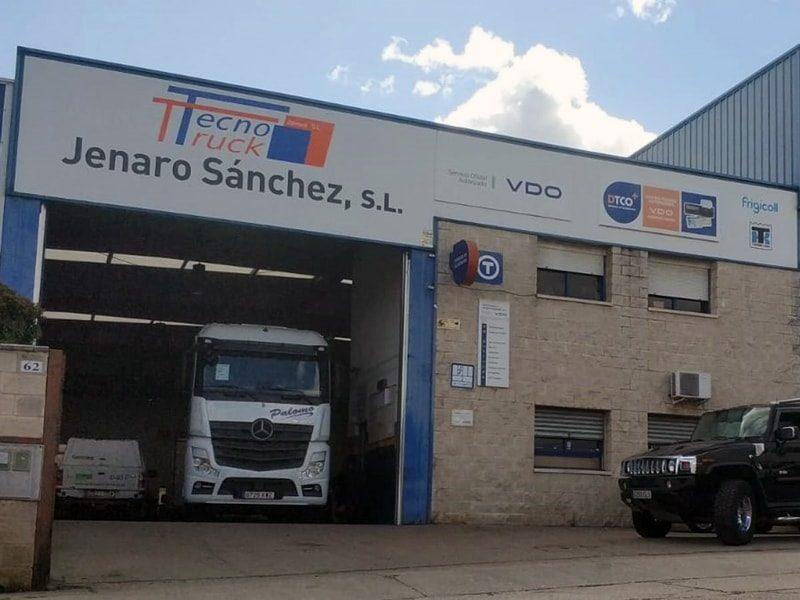 Innovación al servicio del cliente · Auto Electricidad Jenaro Sánchez
