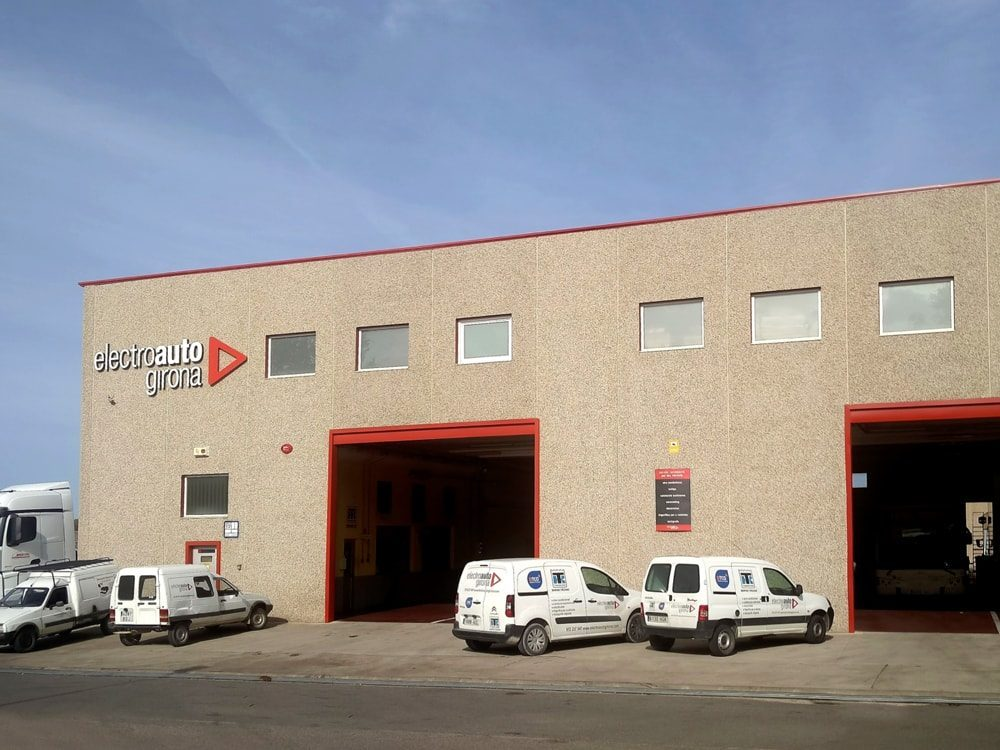 Actitud líder en Montfullà, Electroauto Girona